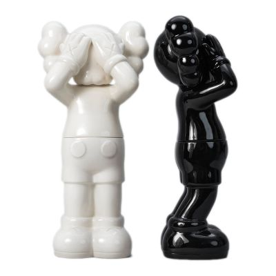 KAWS HOLIDAY UK CERAMIC CONTAINERS SET (EDITION OF 1000)